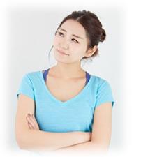 運動・食事制限でダイエットする女性